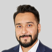 Zubair Yusuf : Associate Director