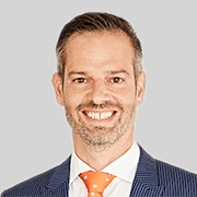 Philipp Buis : Executive Director
